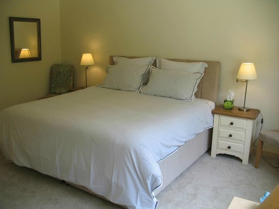 Haddon Acre: Double Bed in the house