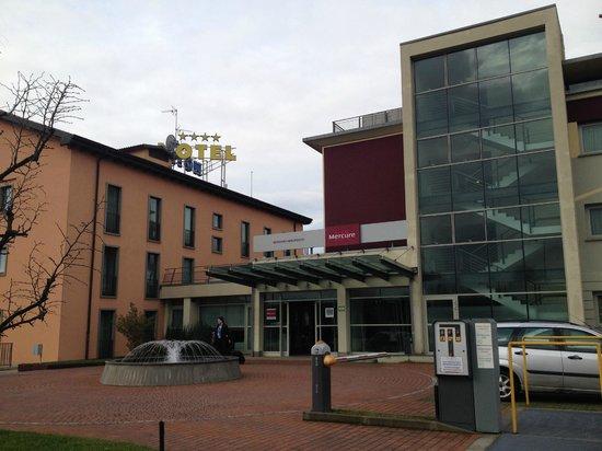 Hotel Mercure Bergamo Aeroporto: Esterno Hotel