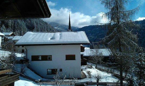Villa Gottfried : Blick vom Balkon gegenüber des Bades
