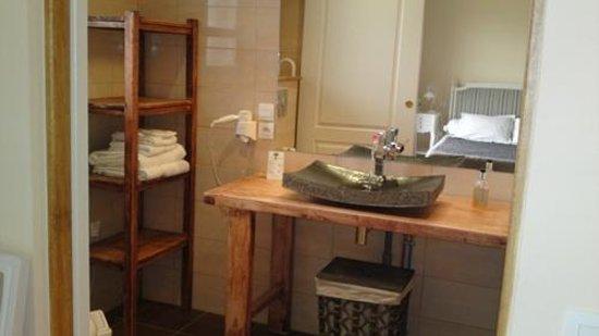 Relais de l'Alsou: bathroom