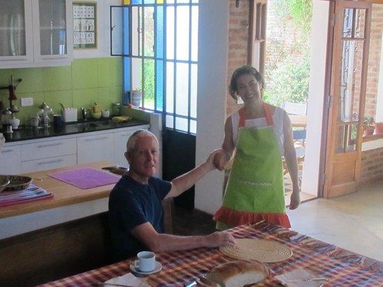 La Demorada: Having Breakfast with Inez