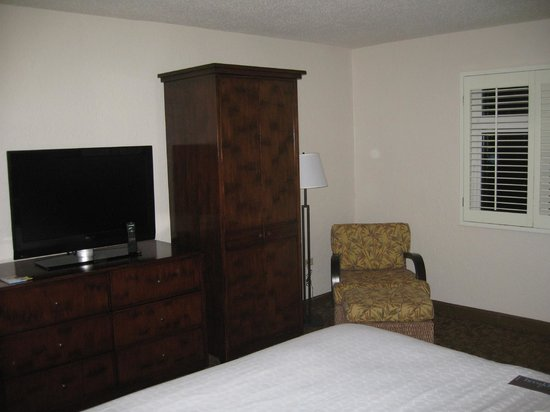 Sheraton Old San Juan Hotel: Deluxe, King Bed, partial bay view 5th floor room