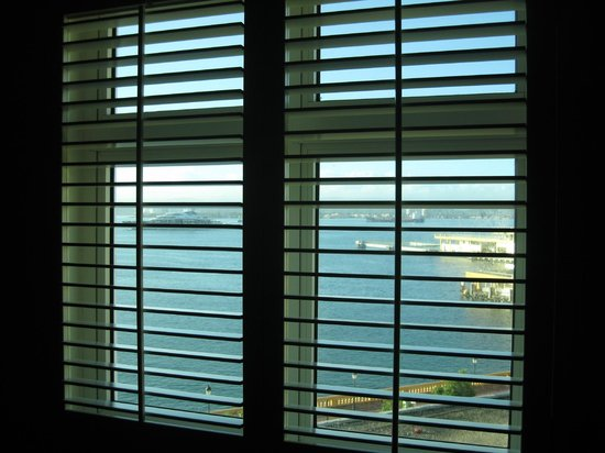 Sheraton Old San Juan Hotel: The partial bay view 5th floor room