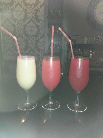 Moonlight Cinema: cocktails at the bar