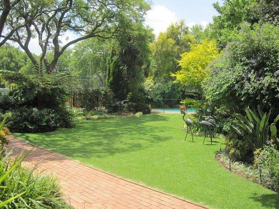 Cotswold Gardens Guest House : Garden