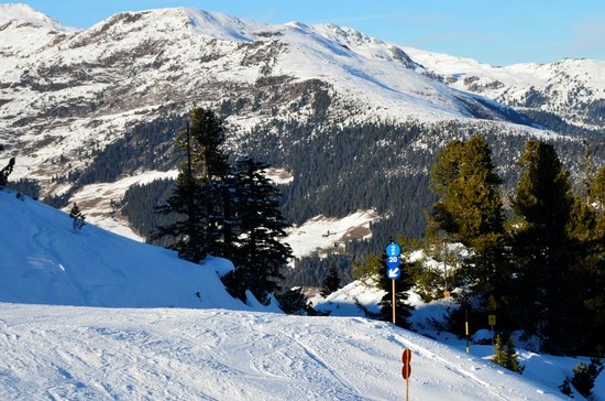Mayrhofner Bergbahnen: East towards Horberg