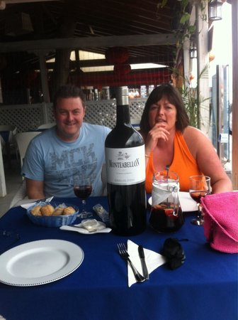 Delicious 365: Having a great time! Surender & all the staff very friendly. Good food (&Sangria!). Tapas excell