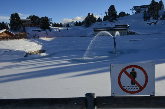 Mayrhofner Bergbahnen: Like the no swimming sign was really necessary!