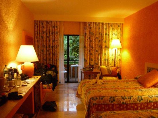 Iberostar Quetzal Playacar: basic clean room