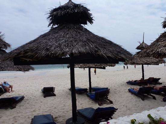 Southern Palms Beach Resort: the beach
