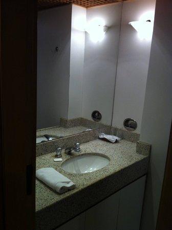 Mirasol Copacabana Hotel: bathroom