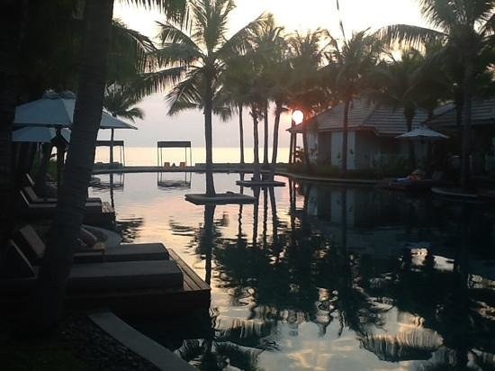 Rest Detail Hotel Hua Hin: early morning sun, view from pool villa 512