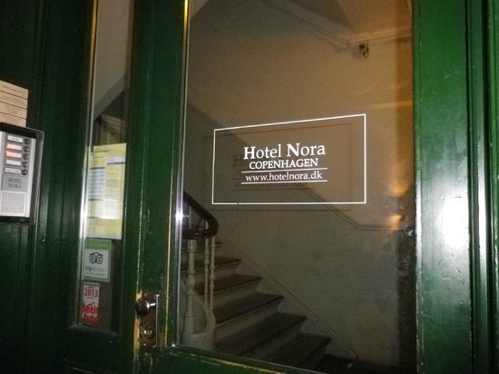 Hotel Nora CopenHagen : puerta hotel