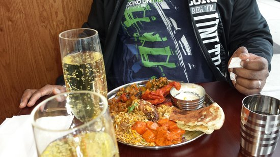 Persis Biryani Indian Grill: They even had complimentary sparkling wine :)