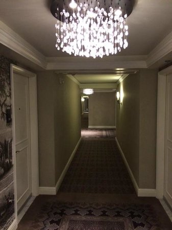 The St. Regis Aspen Resort: renovated hallways and corridors