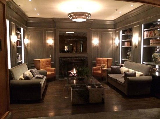The St. Regis Aspen Resort: beautiful lounge