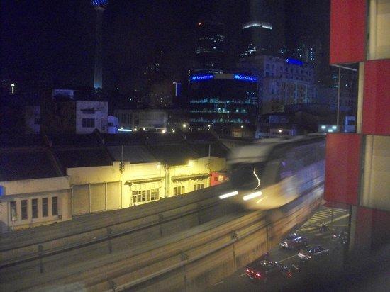 Tune Hotel Kuala Lumpur : dari jendela kamar
