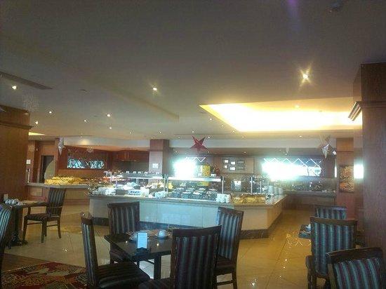 Excelsior Grand Hotel: Завтрак