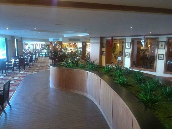 Excelsior Grand Hotel: Холл ресторана
