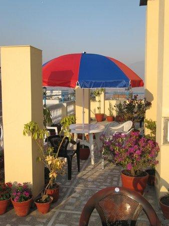 Hotel Pilgrims Pvt. Ltd.: Fraai terras met uitzicht over Thamel