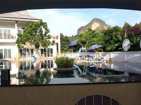 Nadivana Serviced Apartments: View of the pool from our apartment..