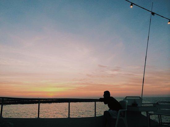 Sea Dragon Dive Center: Sunset m/v namsai