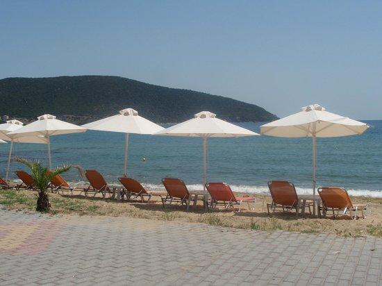 Mira Mare Hotel: beach