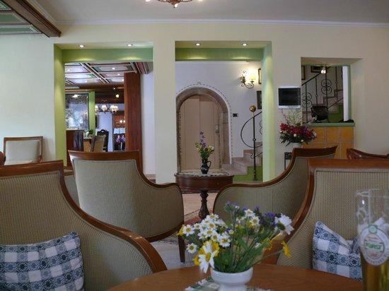 Hotel Cavallino d'Oro: die gefälligen Einrichtung z.B. die Bar