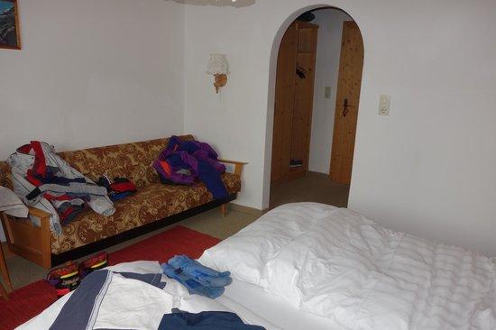 Hotel Schonblick: Room