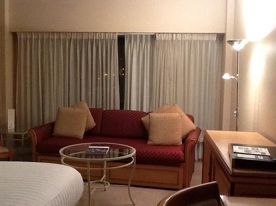 Golden Jubilee Conference Hotel: lounge area of bedroom