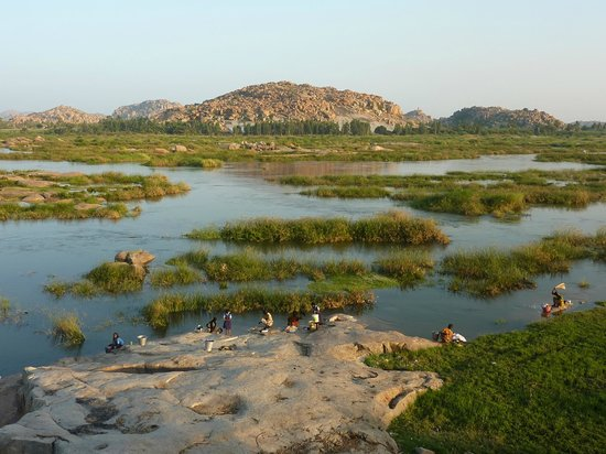 Hampi, India: Tungabhadra River from Anegundi