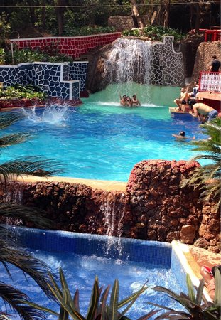 Horseland Hotel And Mountain Spa: The swimming pool with waterfall