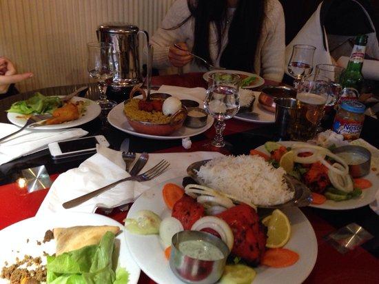 Chettinadu: Plusieurs plats du restaurant