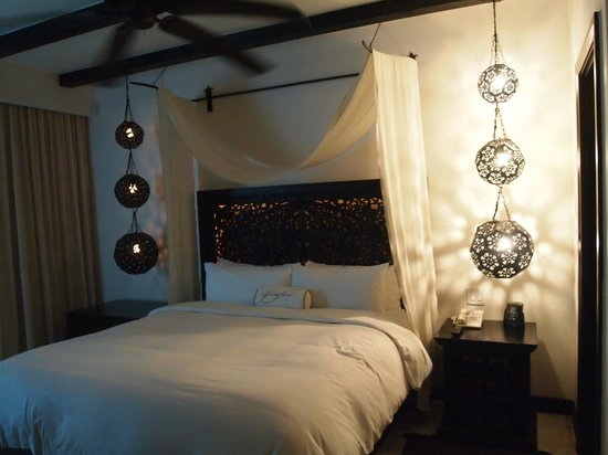Cabo Azul Resort: The master bedroom