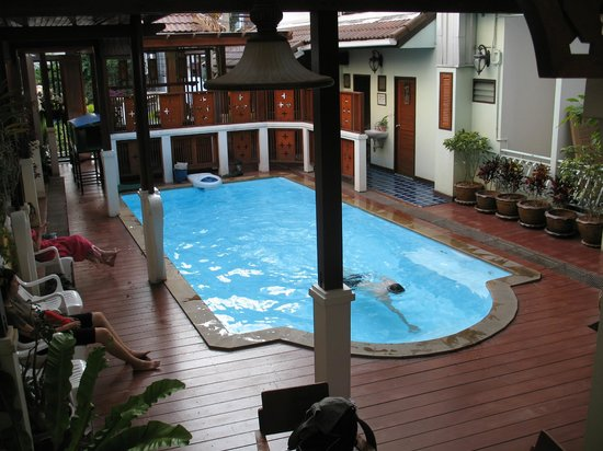 Sri Pat Guest House: la piscine