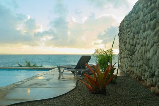 Pagua Bay House Oceanfront Cabanas: Pagua Bay Sunrise