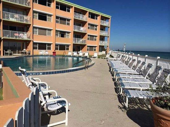 Paradise Beach Club: Pool