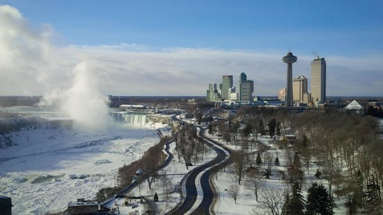 Sheraton on the Falls: Over looking the Falls from room........priceless!