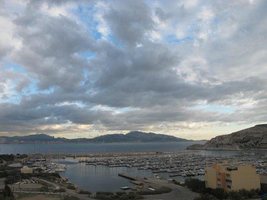 Frioul Archipelago : Вид на портовый городок
