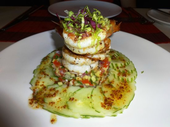 Memoire d' Angkor Boutique Hotel: Grilled prawns with mango salad