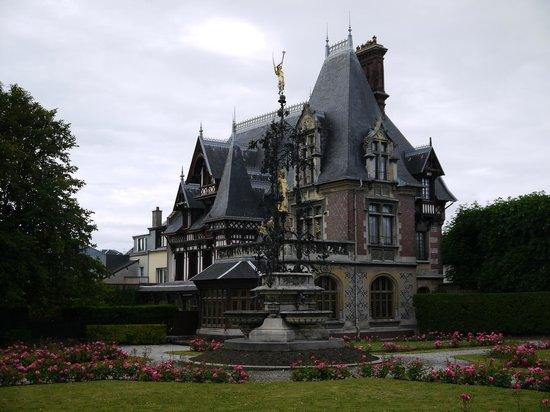 Palais Bénédictine : Замок