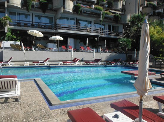 Monte Tauro Hotel: The pool