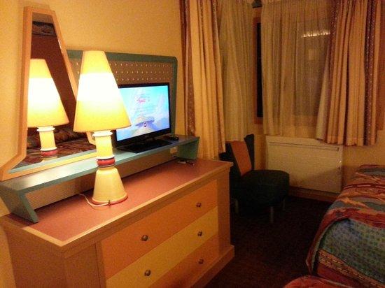 Disney's Hotel Santa Fe: Coin bureau TV