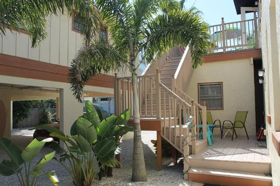The Ringling Beach House - A Siesta Key Suites Property: Deck Entry
