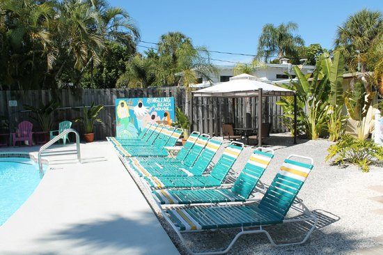 The Ringling Beach House - A Siesta Key Suites Property: Pool Area