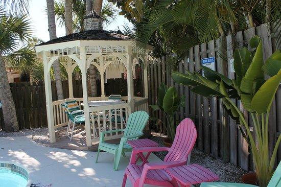 The Ringling Beach House - A Siesta Key Suites Property : Pool Gazebo