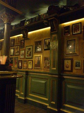 Cafe Jubilee Valletta: Интерьер кафе
