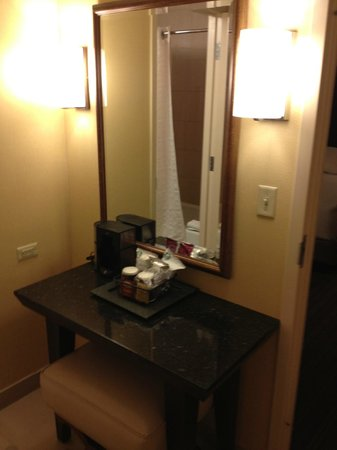 Hyatt Regency San Antonio: Coffee Station/Dressing area/Closet