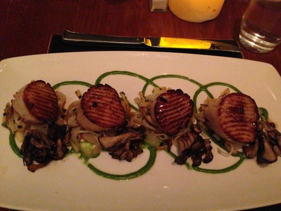Cielo Restaurant - Four Seasons St. Louis: Scallops (Best in the universe)