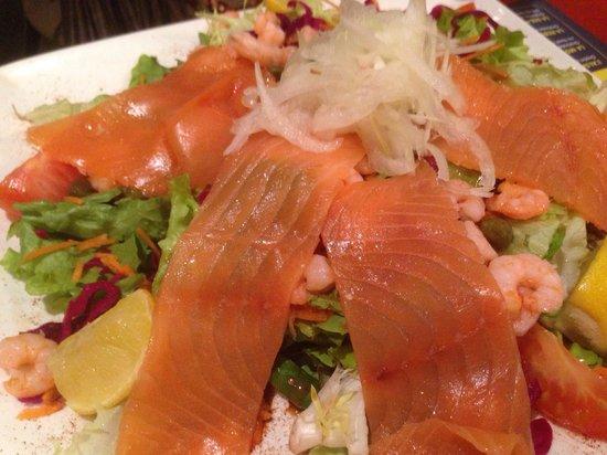 Pommes de Terre et Compagnie : Norvégienne. Oui demandez sans pommes de terre, ce sera salade verte. Tres bonne !